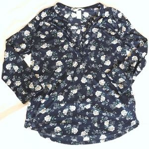 H&M daisy print top size S
